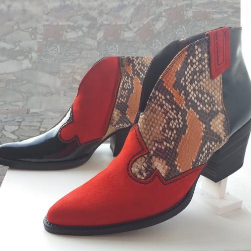 Izložba Dizajnera obuće